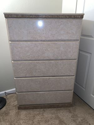 5 piece queen size bedroom set with mattresses for Sale in St. Louis, MO