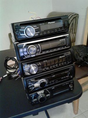 Vendo estereos auxiliar usb cd play for Sale in Silver Spring, MD