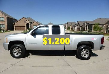 ✌️🐇(💲12OO)🦋FOR SALE 2011 Chevrolet Silverado🐇✌️ 2wr for Sale in Anaheim,  CA