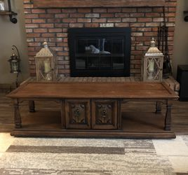 All Wood Coffee Table for Sale in Independence,  OH