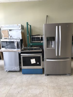 New Whirlpool Kitchen Set. WE FINANCE for Sale in Lake Worth, FL