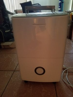 Frigidaire 70 pint Dehumidifier for Sale in Delray Beach, FL