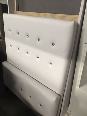 Twin Diamond bed, spring box and mattress. (Weston Fl) for Sale in Fort Lauderdale, FL