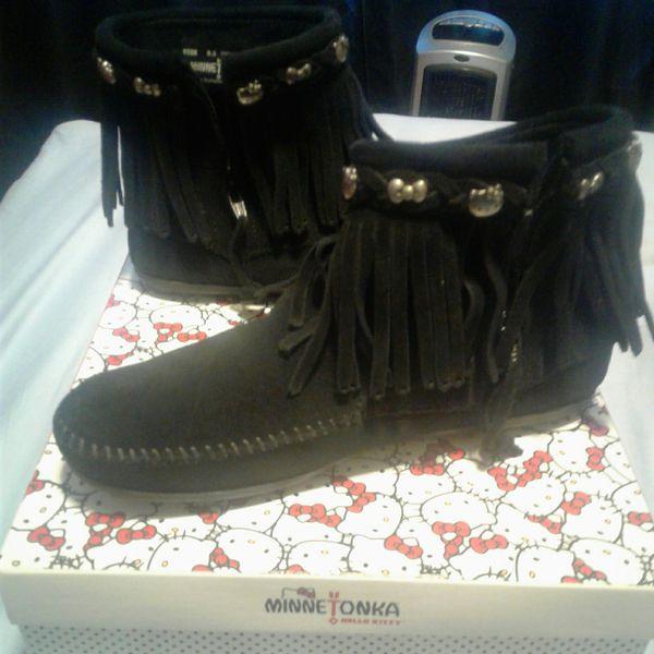 Minnetonka x Hello Kitty fringe boots 8.5 women