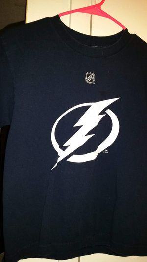 Tampa Bay Lightning lecavalier youth medium t-shirt fading in numbers as noted in photo for Sale in Largo, FL