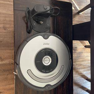 iRobot Roomba 655 Vacuum and Charging Dock for Sale in McAllen, TX