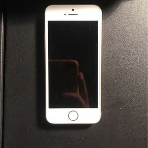 iPhone 5 for Sale in Nuevo, CA
