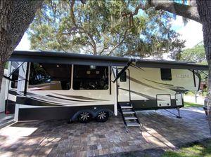 Keystone Alpine 5th Wheel RV 2018 for Sale in Clearwater, FL