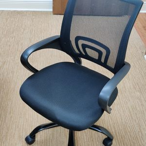6 Chairs With Wheels for Sale in Miami, FL
