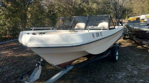 Boat 15.1 bowrider tri Hull 50 HP EVINRUDE trailer runs great ready for the water for Sale in Dunnellon, FL