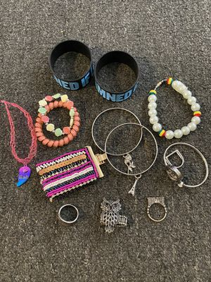 Jewelry bundle for Sale in Hialeah, FL