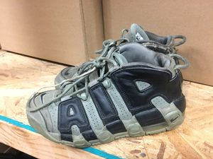 Boys nike air more uptempo size 6y for Sale in North Royalton, OH