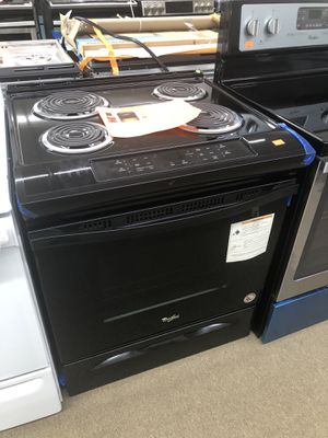 Whirlpool Black Electric Slide in Range on sale for Sale in Norcross, GA