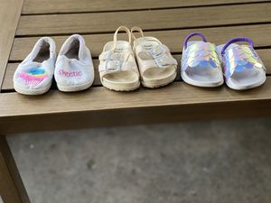 Baby girl shoes (Size 4) for Sale in Garden Grove, CA