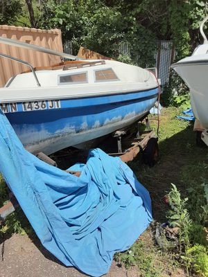 17 ft fiberglass sailboat and trailer for Sale in Saint Paul, MN