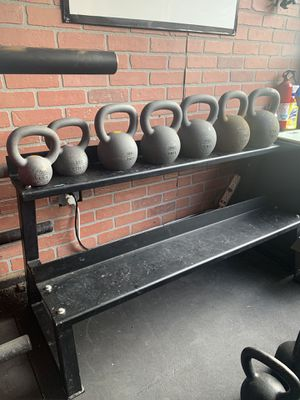 American Barbell Kettlebells with stand for Sale in Pico Rivera, CA