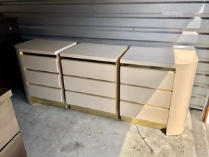 Beautiful Oversized 3 Piece Dresser Set for Sale in Brandon, FL