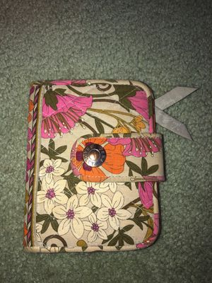 Vera Bradley wallet, small for Sale in New Haven, CT