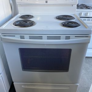 Kenmore Electric Stove can deliver for Sale in West Sacramento, CA