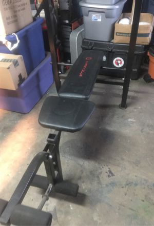 Workout bench press with weights for Sale in Torrance, CA