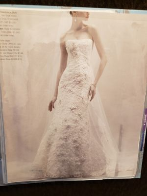 Oleg Cassini Wedding Gown size 8, never worn for Sale in Aspen Hill, MD