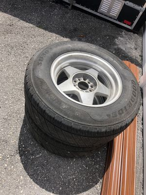 255/65R16 Tires & Rims (Set of 2) for Sale in Hialeah, FL
