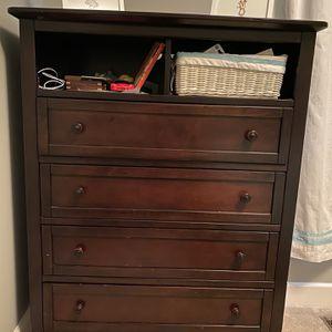 Tall Dresser for Sale in Macomb, MI