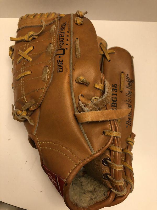 Vintage Rawlings Rickey Henderson Model Leather Baseball Mitt/ Glove