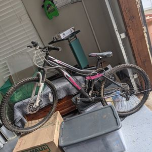 Mongoose Mountain Bike Full Size Women for Sale in Fort Worth, TX
