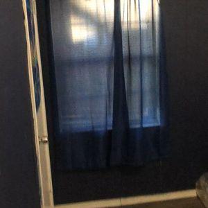 se renta cuarto deposito $200 renta $450 se comparte baño y cocina for Sale in Grand Prairie, TX