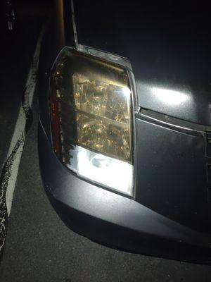 07 Escalade headlight lens for Sale in Upper Marlboro, MD