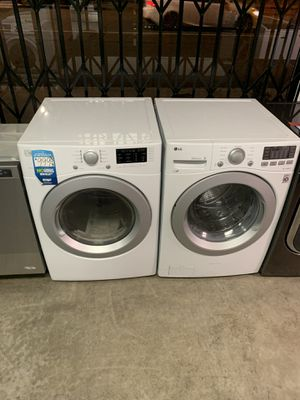 New lg and kenmore washer and dryer set for Sale in Carson, CA