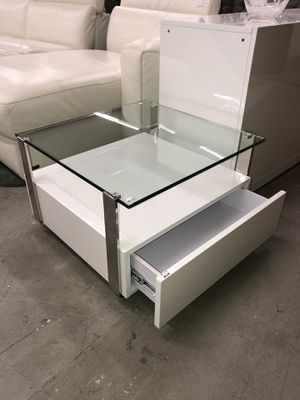 El Dorado Side Table for Sale in Lauderhill, FL