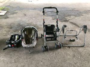 Graco Complete Set: Base, Car Seat, Stroller, Swing for Sale in Knoxville, TN