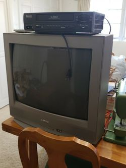 Crt Television And VCR for Sale in Jemison,  AL