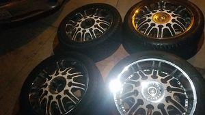 Rines 22 inches para silverado Tahoe Cadillac yuckon 5 virlos universal todas llantas casi nuebas 95 % solo una esta dañada con 2 tapas solamente for Sale in Long Beach, CA