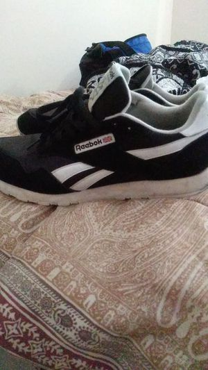 Reebok classics size 9 1/2 for Sale in San Diego, CA