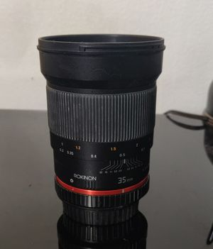 Rokinon 35mm lens (needs repairs) for Sale in Chicago, IL