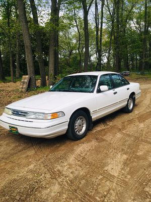 1997 Ford Crown Victoria for Sale in Walkerton, IN