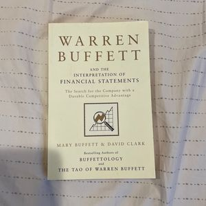 Warren Buffet And The Interpretation Of Financial Statements for Sale in Irvine, CA