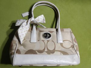 Authentic coach handbag purse with a scarf attached to it for Sale in Columbus, OH