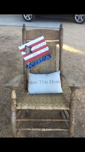 Antique rocking chair for Sale in Hesperia, CA