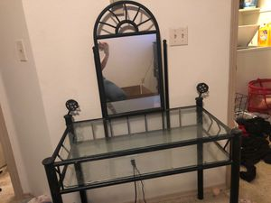 makeup table /desk need gone asap for Sale in Olympia, WA