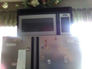 Wall microwave.. for Sale in Cleveland, OH