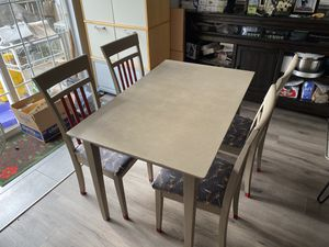 Dining Table with 4 Chairs very good for small space for Sale in Manassas, VA