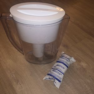 Brita Water pitcher (5 cup) & filter for Sale in Centreville, VA