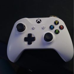 Xbox One Controller With Adaptive Triggers And Grips for Sale in Boring,  OR