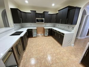kitchen cabinets and countertops for Sale in Hialeah, FL