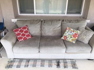 Gray Couch/Sofa for Sale in Hemet, CA