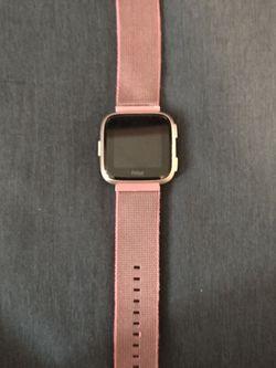 Fitbit Versa for Sale in Oviedo,  FL